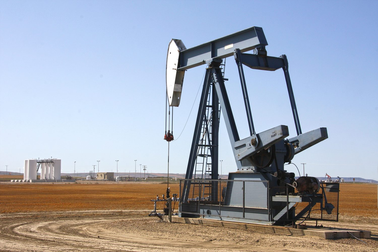 Energy Automation: Replacing Roughnecks and Promoting Profitability