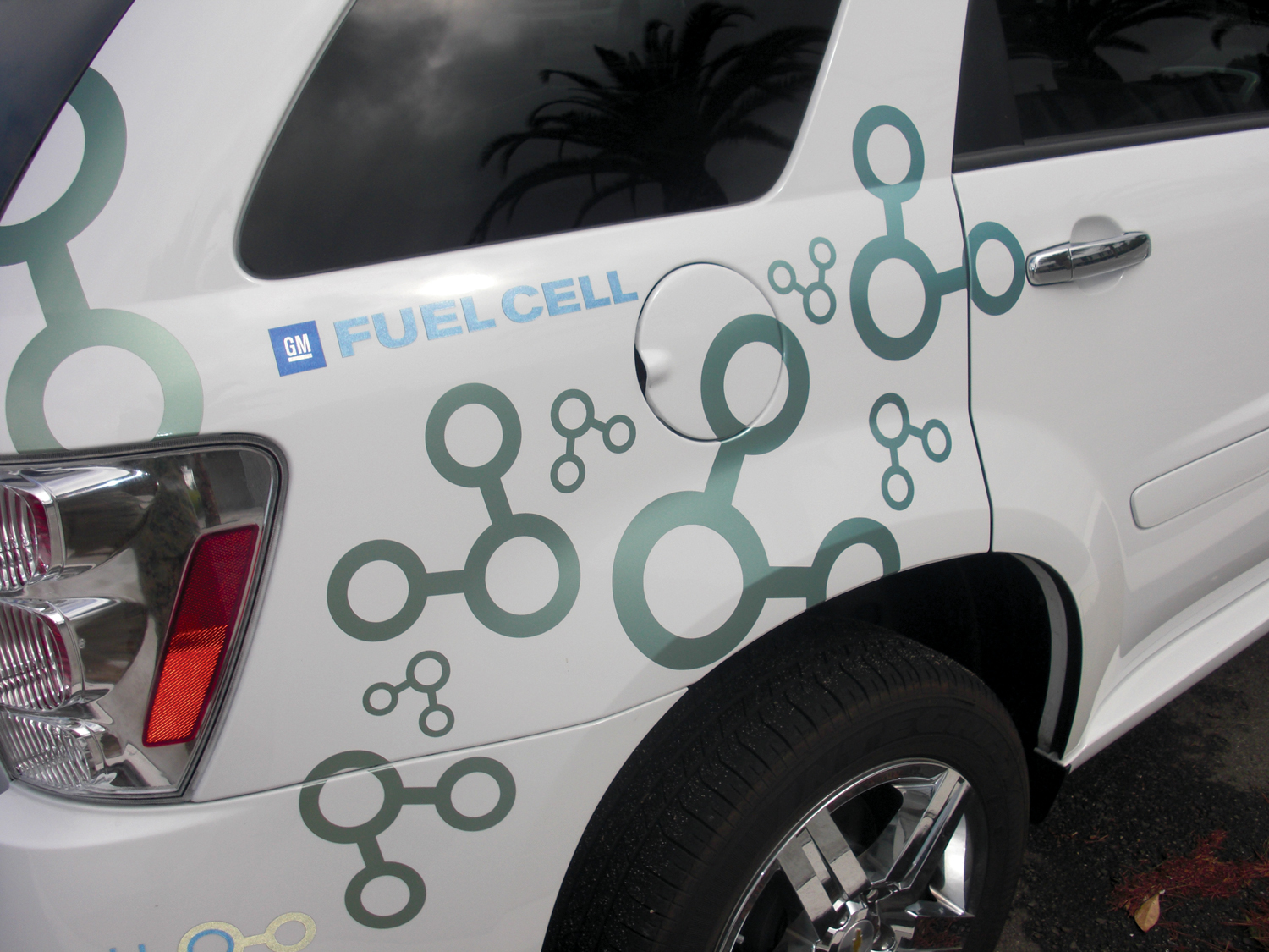 Hydrogen Fuel Cell Breakthroughs Could Reshape Mobility Industry