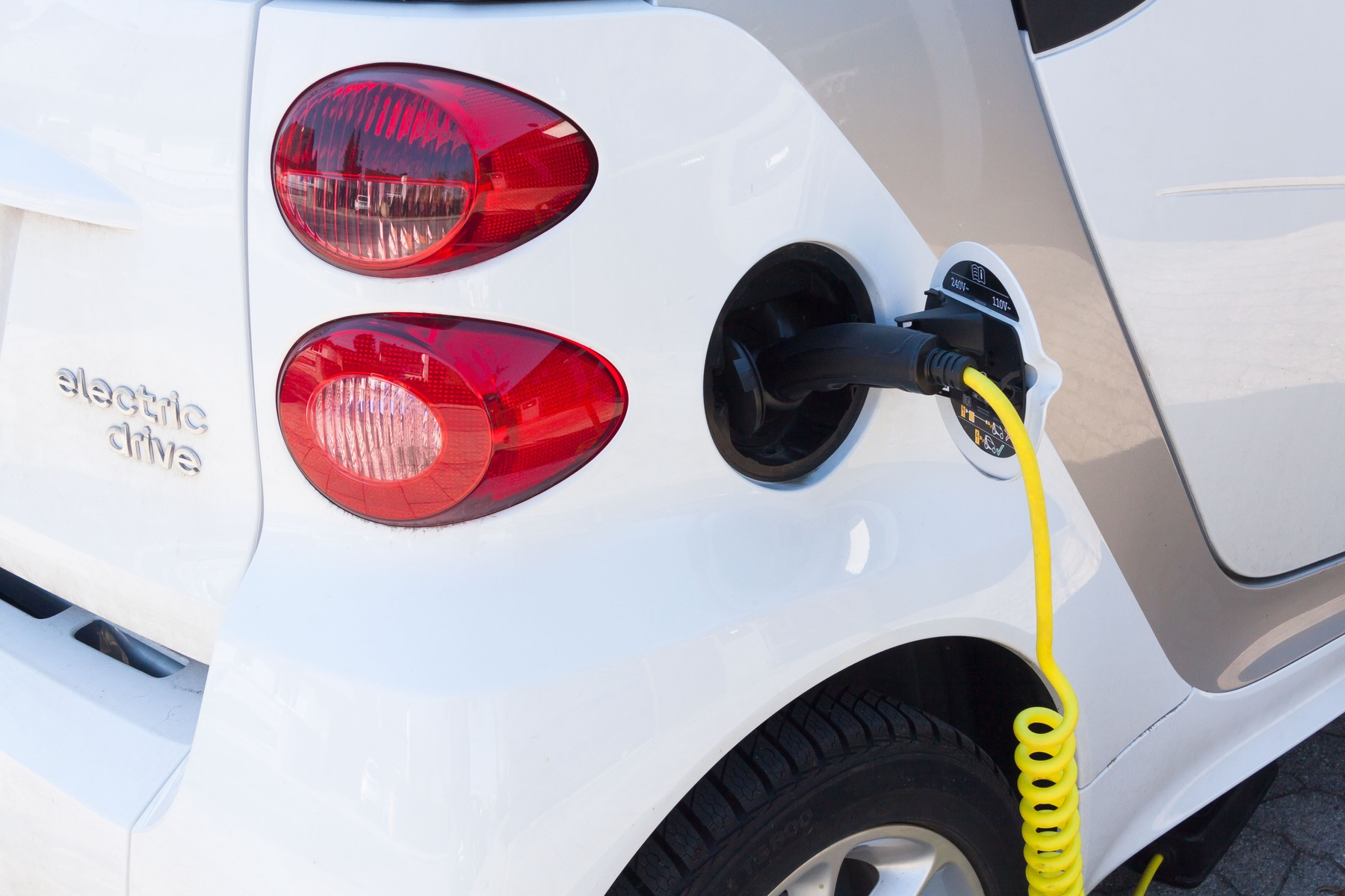 Fuel Retailers, Utilities and EV Pure Plays Compete to Charge your Car