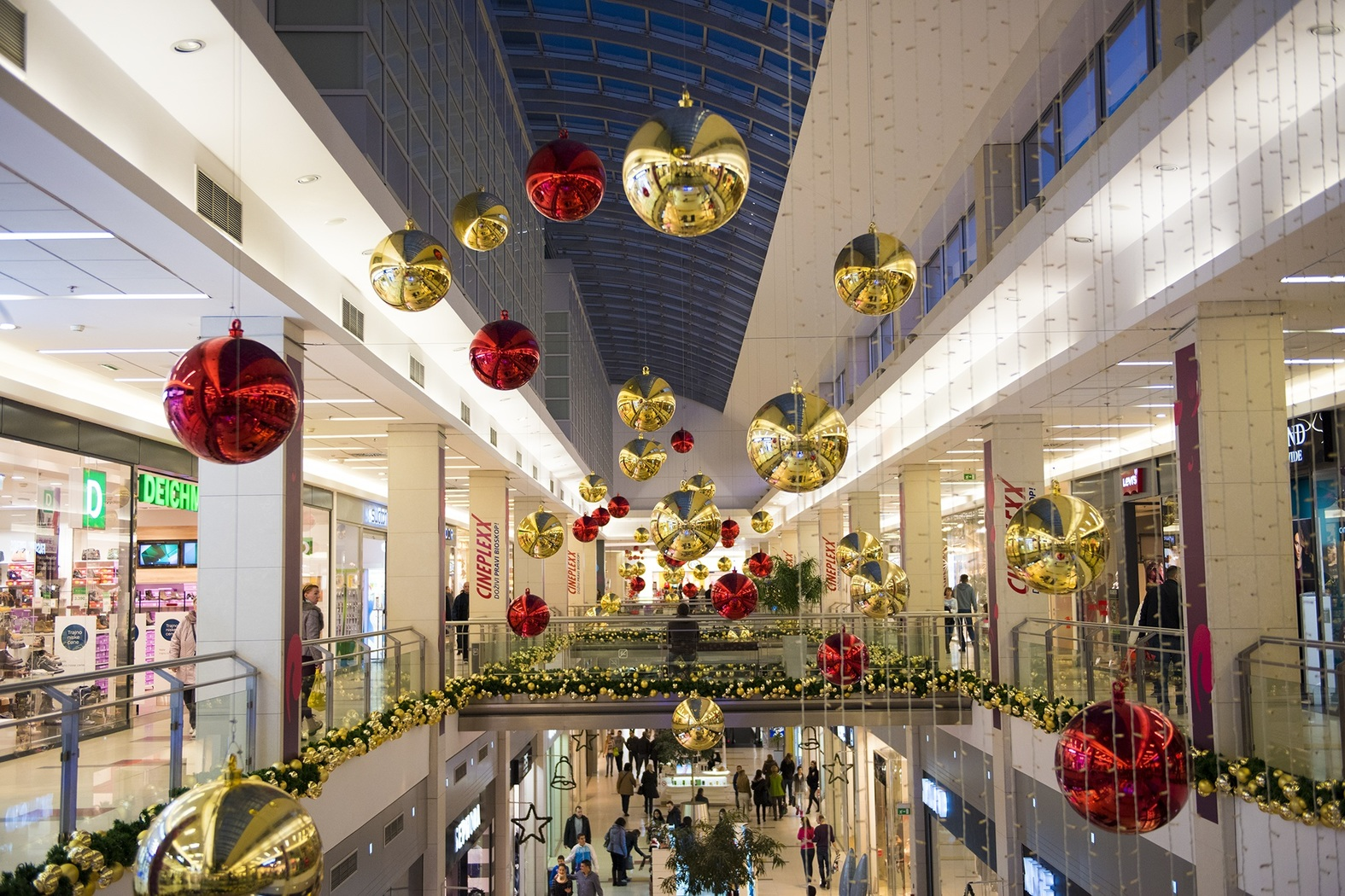 Retailers Are Set to Reign in Black Friday, Cyber Monday Online Sales