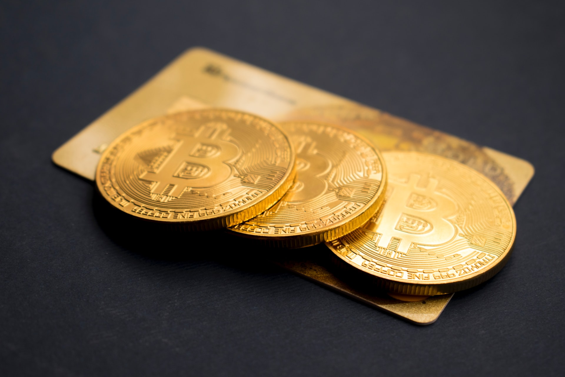 Bitcoin Breaks with Gold, but Hashrates Show a Resurgence Building