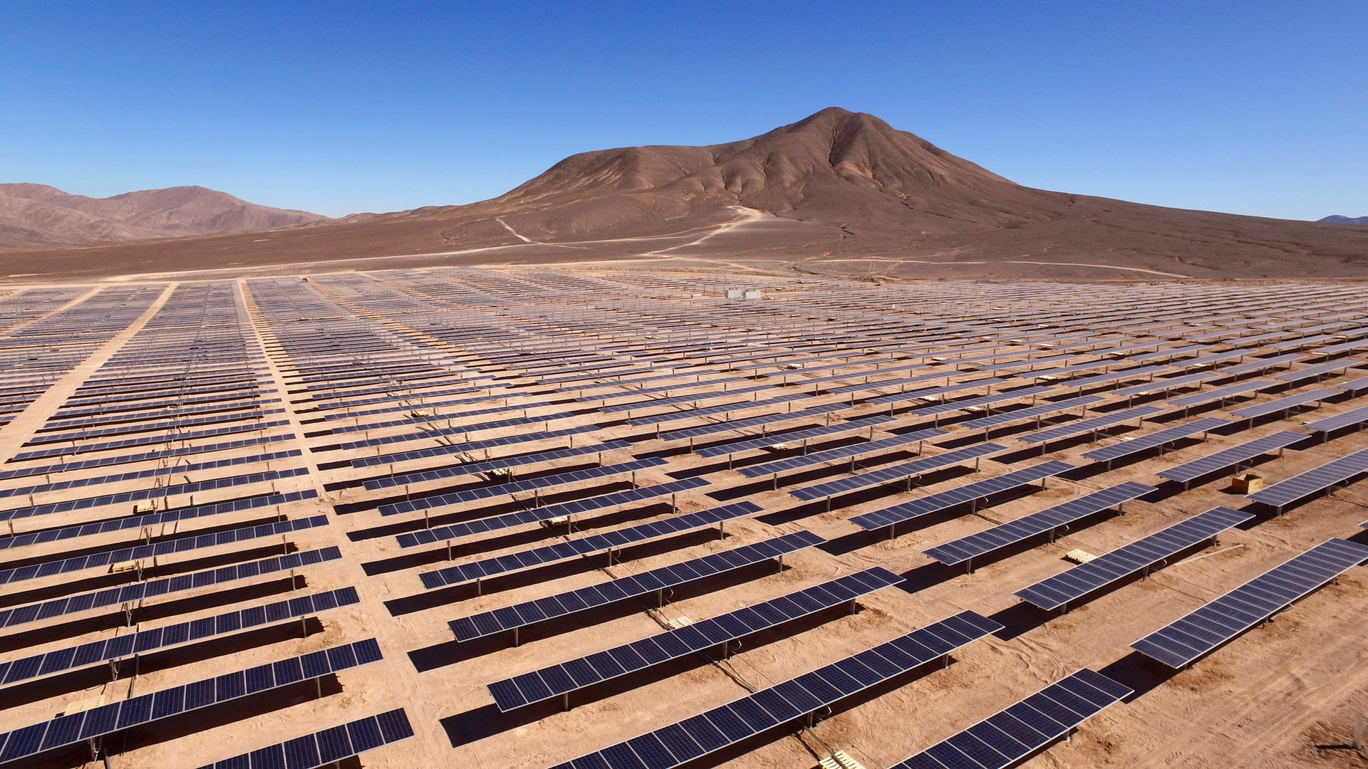 Solar Surges into the New Year as Big Oil Begins Their Own Renewable Rollout