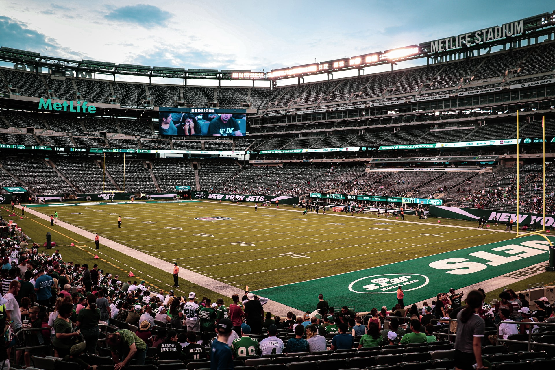Sportsbook Operators Make Major Acquisitions, States Ease Restrictions on Betting Ahead of Football Season