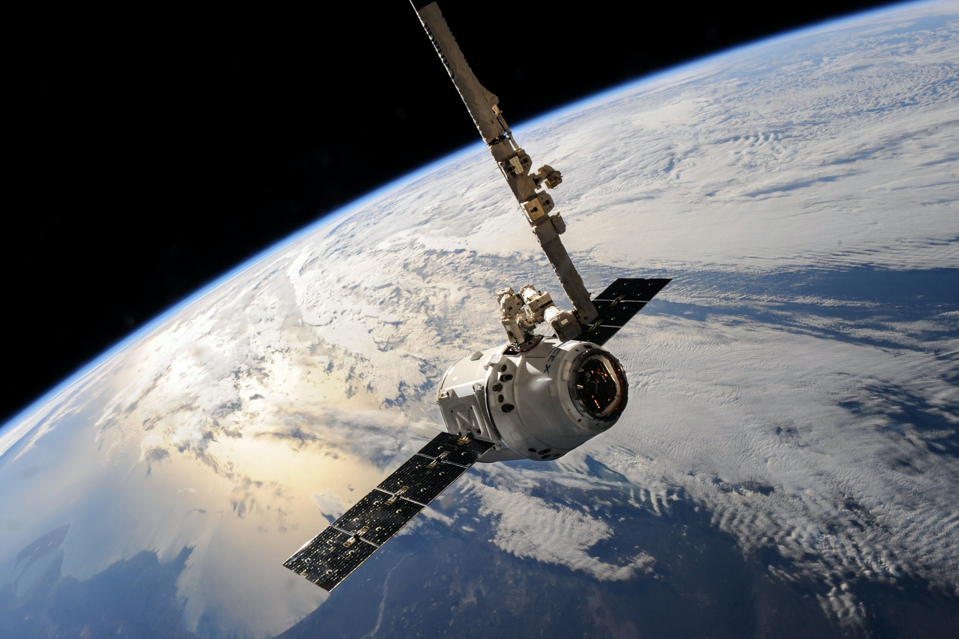 Satellite Firms Strengthen Profitability, Starlink Download Speeds Set the Pace