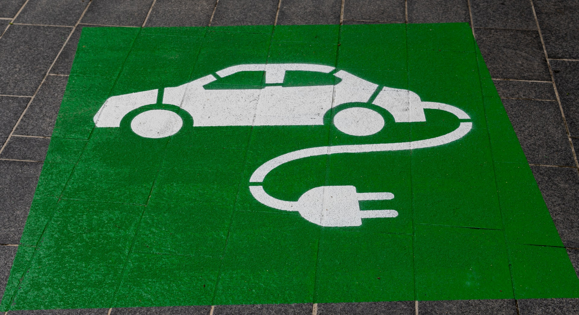 Lithium Sales Surge Amid Battery-Powered Breakout, EVs Remain Resilient for Now